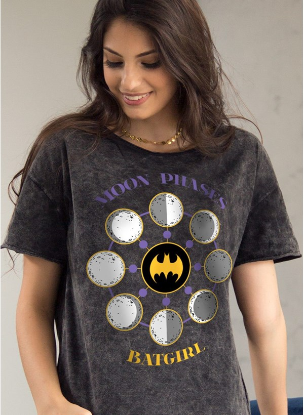 Camiseta Ampla Batgirl Moon Phases