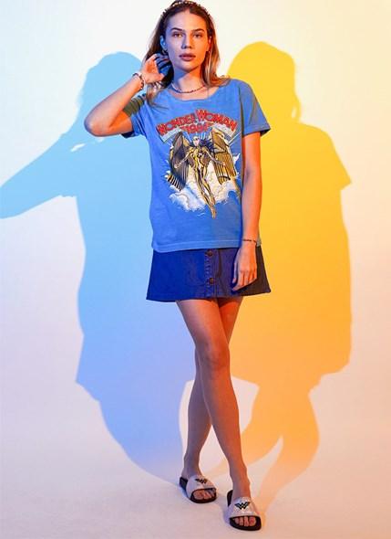 Camiseta Mulher Maravilha 1984 Armadura Dourada