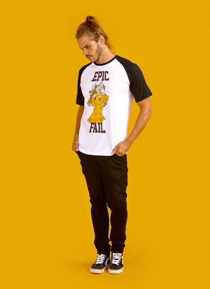 Camiseta Raglan Looney Tunes Epic Fail