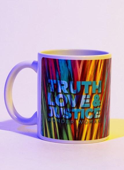 Caneca Mulher Maravilha 1984 Truth Love & Justice Rosto