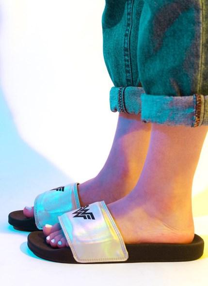 Chinelo Slide Mulher Maravilha 1984 Holográfico
